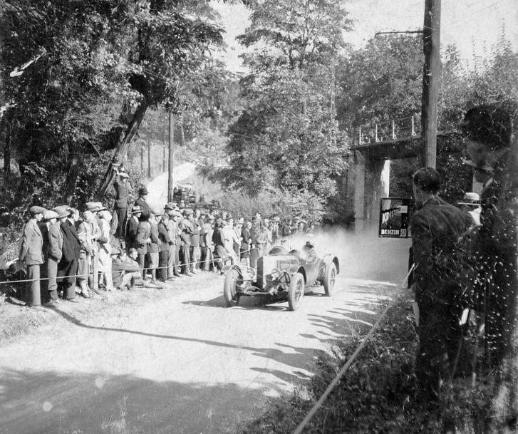 1922, Karthauzi u.-Művész út sarok, a Fogaskerekű hídja, svábhegyi verseny, Steyr