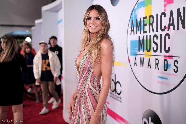 Az viszont a tagadhatatlan elfogultságon is átsejlik, hogy a 44 éves Klum rettenetesen sokat fogyott mostanában.Igen, az American Music Awardson járunk, ahová Selena Gomez új hajszínnel érkezett.