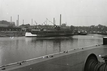 A BRP CAR BORISZ III. (1941) motorhajó vízrebocsátása 1940. június 14-én.