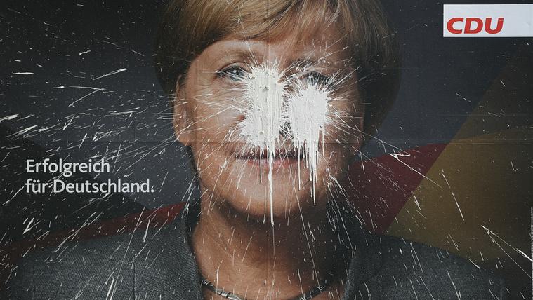 Hogy Merkel még sose volt ekkora bajban? Sebaj!