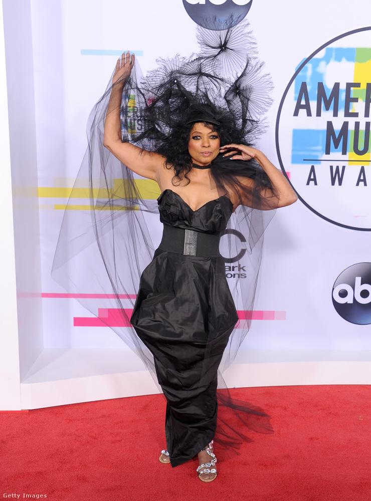 Volt egy American Music Awards nevű díjkiosztó vasárnap éjjel-hétfő hajnalban, ahol Heidi Klum dekoltázsán kívül azért volt még pár látnivaló