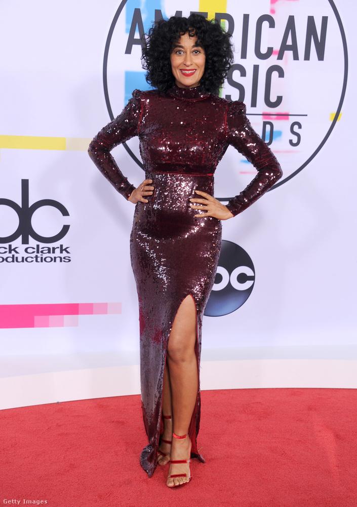 Diana Ross lánya, Tracee Ellis Ross volt az est házigazdája, ezért többször is átöltözött a díjátadó alatt