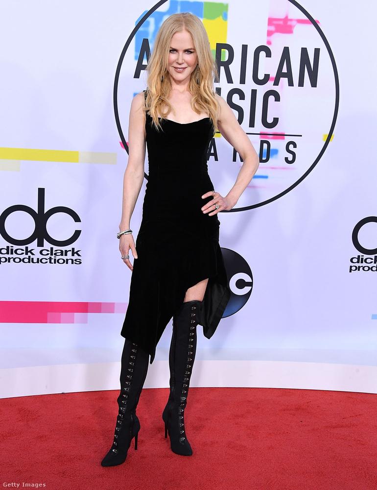 Sajnos Nicole Kidmannek nem volt kedve kiöltözni az AMA-ra
