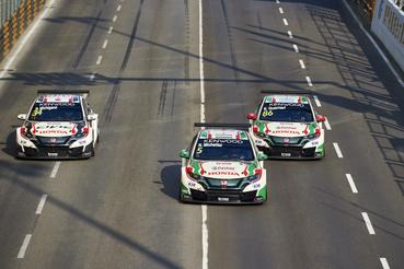 A három Honda a MAC3 csapatidőfutamon. Ahogy szinte mindig, Makaón is Michelisz vezette fel a sort.