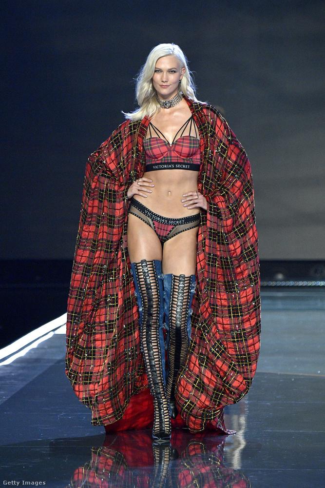 Karlie Kloss azért érdekes, mert amennyire felkapott modell volt pár évvel ezelőtt, olyan gyorsan vonult háttérbe, főleg azért, hogy a tanulmányaira koncentráljon