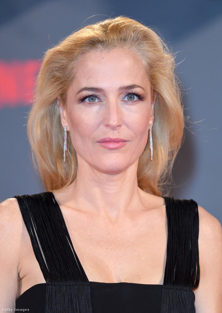 A színésznő állítja, hogy nem botoxoltat, magától néz ki ennyire jól 49 évesen is