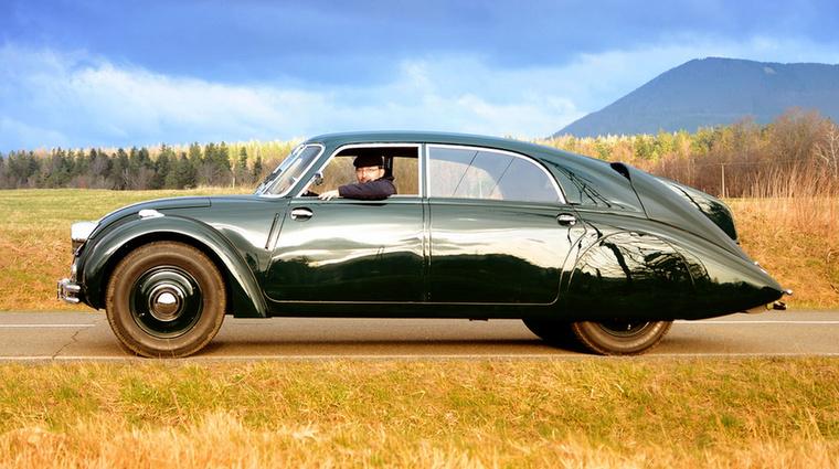 A T77-est szokás az első olyan sorozatgyártású autóként emlegetni, amelynél érdemi aerodinamikai tervezést is végeztek