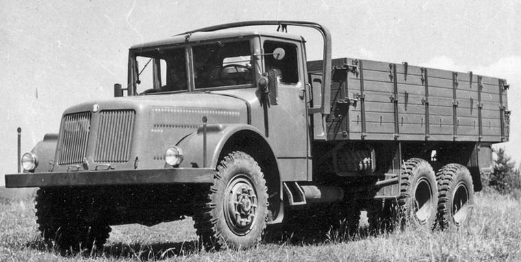 A második világháború idején fejlesztették és kezdték gyártani a 111-est, amelyet a német Wehrmacht is használt