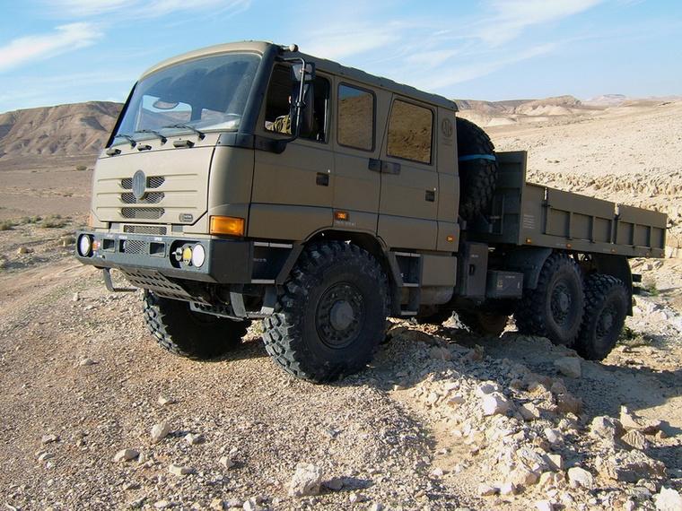Katonai célokra is kedveltek a Tatrák: ez itt a Force nevű modell