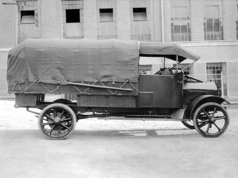 Az NW TL-2-t és TL-4-et az 1910-es évek közepétől készítették, ezek voltak az első sorozatgyártású teherautók