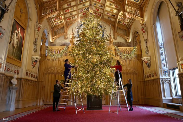 Idén egyébként a karácsony izgalmakkal teli lehet a királyi házban, arról szólnak ugyanis a hírek, hogy Harry herceg ekkor fogja hivatalosan is eljegyezni Meghan Markle-t.