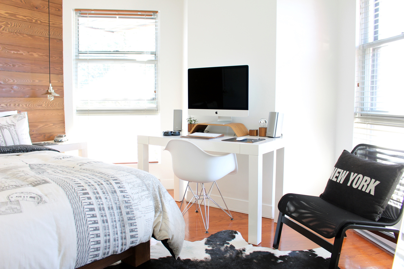 desk-chair-floor-interior-home-cottage-49811-pxhere.com