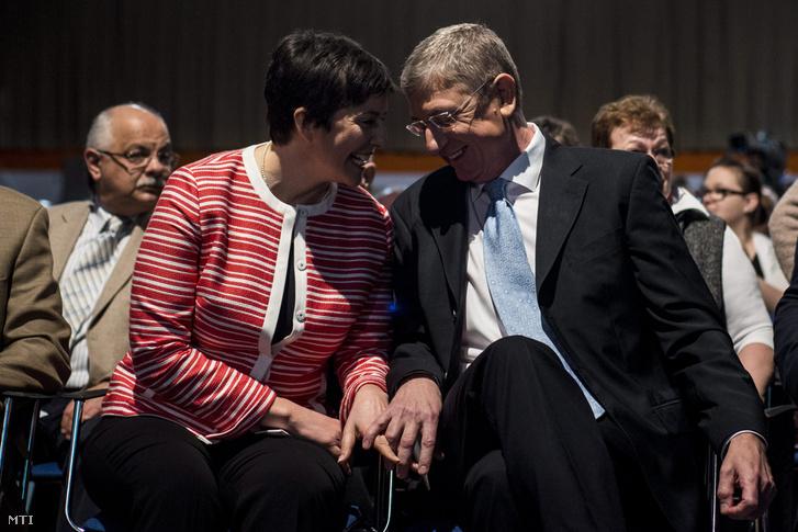 Gyurcsány Ferenc, a Demokratikus Koalíció elnöke felesége Dobrev Klára társaságában a párt kongresszusán a Syma rendezvényközpontban 2016. február 13-án