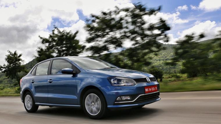 A Volkswagen sem ugrik el a miniszedán-vásárlók elől