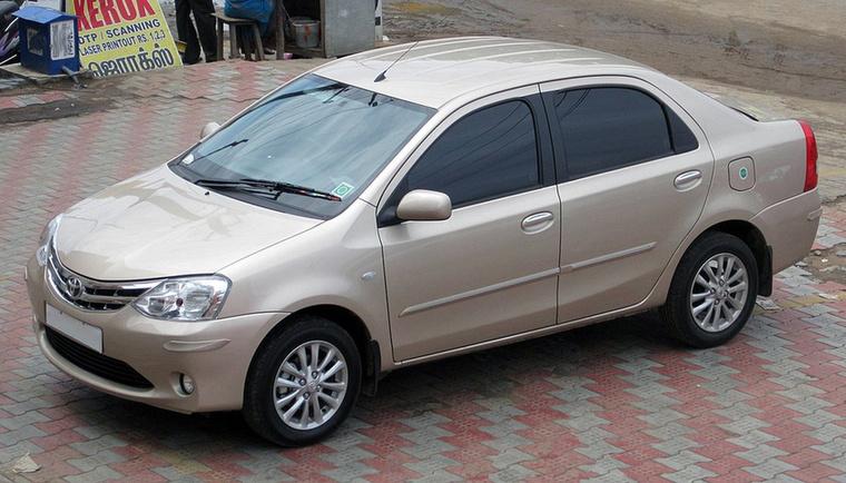 A Yaris iA-n kívül van egy másik Dacia-pótlék is a Toyota kínálatában, az Etios