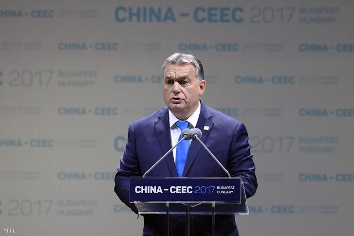 Orbán Viktor miniszterelnök felszólal a Kína-Kelet-Közép-Európa (KKE) csúcstalálkozó gazdasági és kereskedelmi fórumának megnyitóján