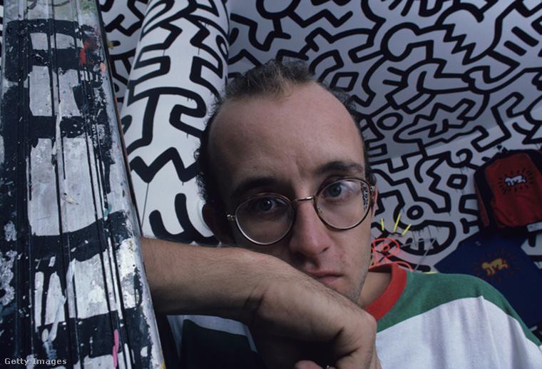 De sajnos magáról Keith Haringről nincs fotónk 1990 utánról.