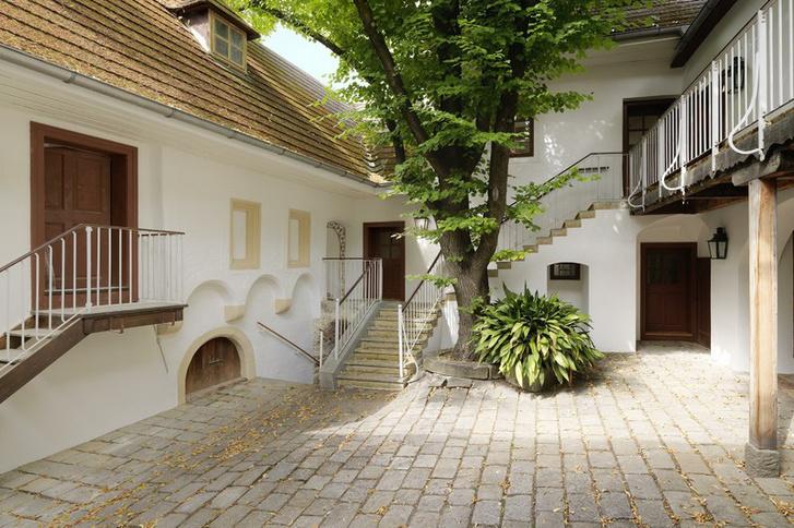 Beethoven lakásának udvara nyáron Heiligenstadtban