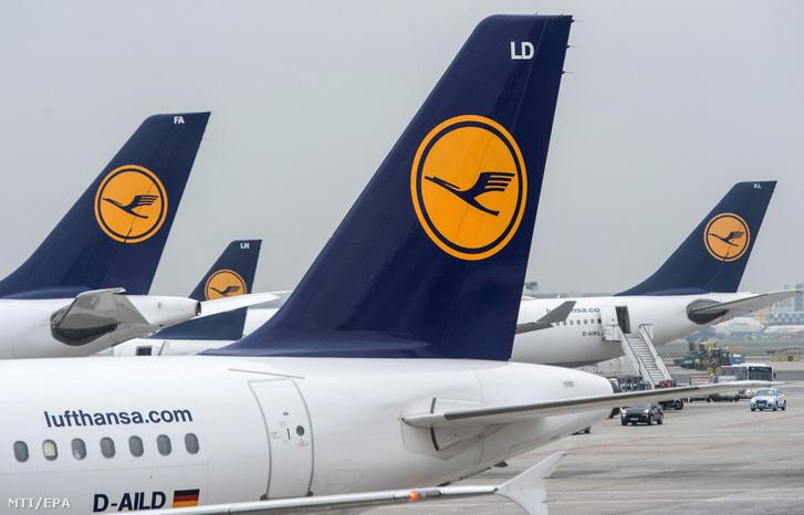 A Lufthansa német légitársaság gépei a frankfurti repülőtéren