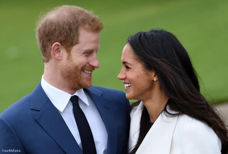 Amióta bejelentették, hogy Harry herceg eljegyezte szerelmét, Meghan Markle színésznőt, nagyon sok minden történt a párral: ebben a galériában ezeket az eseményeket foglaljuk össze.Először megmutatjuk a bejelentés utáni jegyesfotózást, amely egészen máshogy alakult, mint amire számítottunk volna.