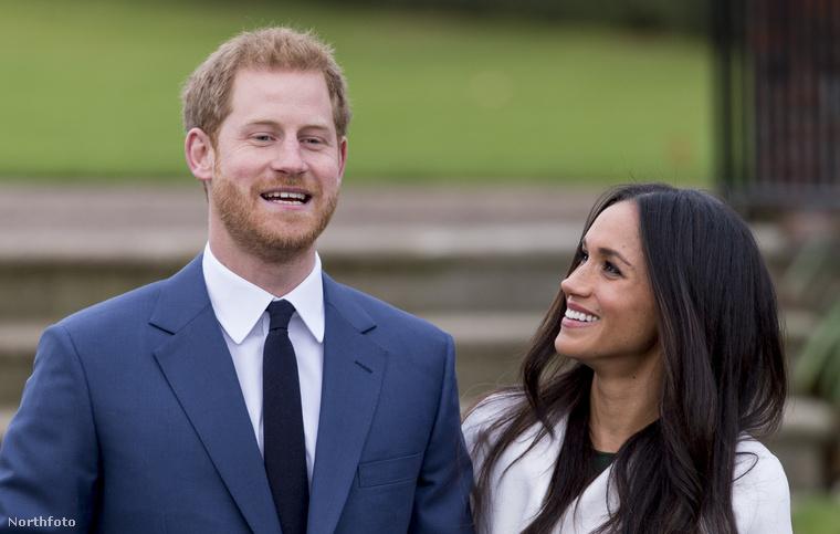 A név másik fele is érdekes, merthogy ugye Kate Middletonból, aki hivatalosan Catherine, a magyar változatban Katalin hercegné lett - a királyi családok tagjainak nevét ugyanis szokás a magyar változatban használni