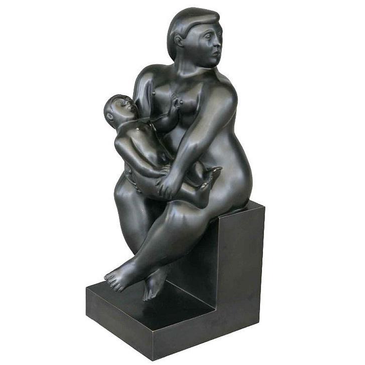 Fernando Botero Anyaság című szobra