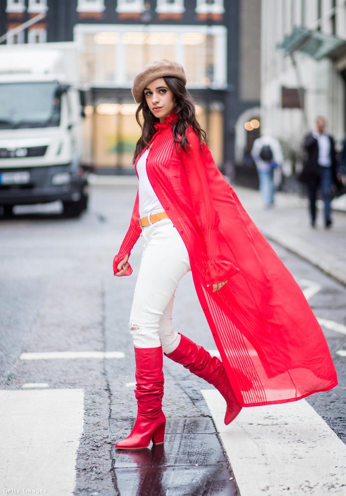 A piros és a fekete barett mellett a bézs is divatban van