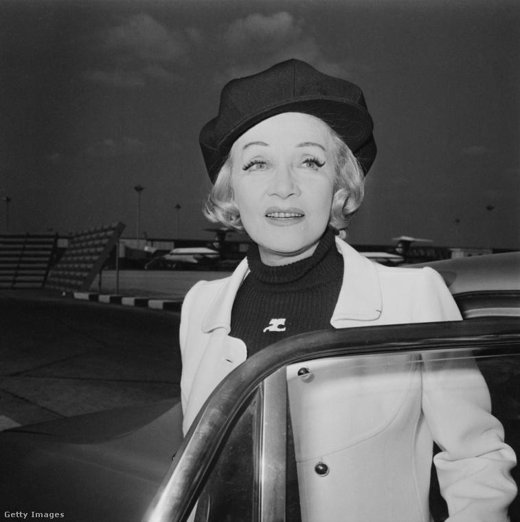Marlene Dietrich és a barett sapka 1971-ben Londonban.