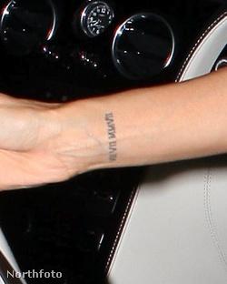 Eva Longoria tetoválása közelről