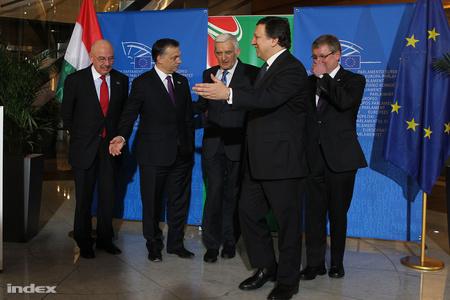 Martonyi, Orbán és Matolcsy találkoznak Jerzy Buzekkel az EP lengyel elnökével és José Manuel Barrosóval az Európai Bizottság elnökével (fotó: Barakonyi Szabolcs)