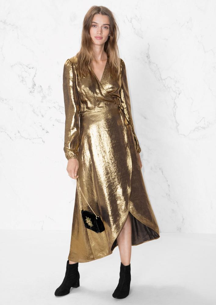 Az Other Storiesnál is van aranyruha 110 fontért, kb.38 ezer forintért.