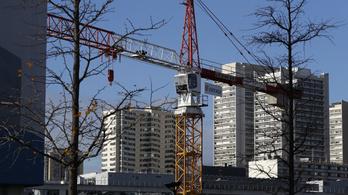 Európai Parlament: Nyugati bérek járnak a nyugatra küldött magyar építőmunkásoknak