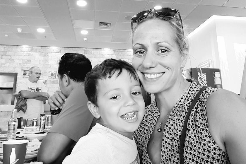 Fazekas-Zur Krisztina és kisfia, Noah.