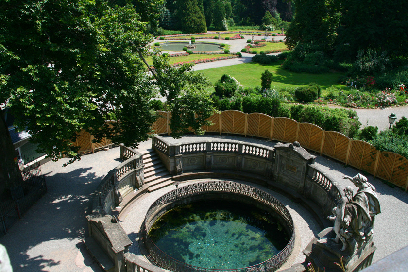 A Duna forrásáról a többség annyit tud, hogy Németországban, a Fekete-erdőben van. Pontosabb azonban, hogy az itt induló Breg- és Brigach-patakok donaueschingeni összefolyásától hívják Dunának.