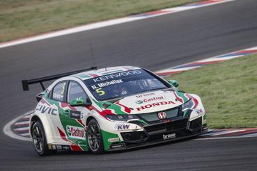 Más is változott 2017-re, Micheliszé lett a gyári csapat két, főszponzor által támogatott kocsijából az egyik. A szezon eleji nehézségek után aztán feltámadt.