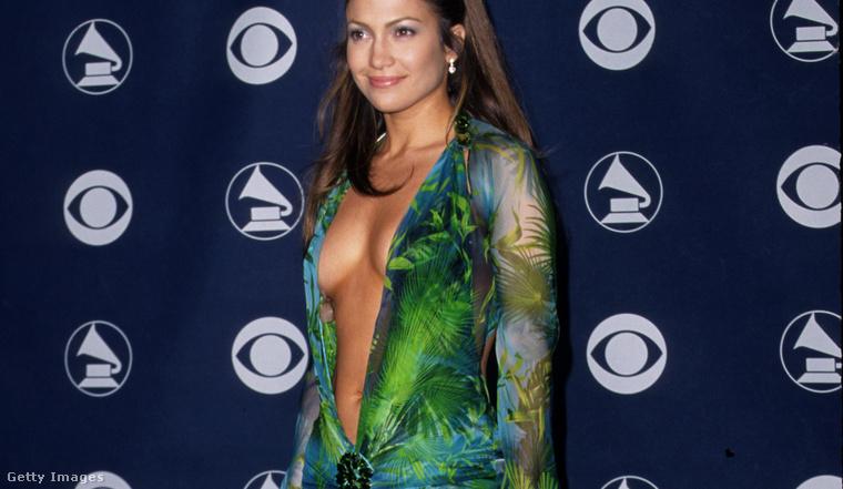 1. Jennifer Lopez zöld Versace-ruhája