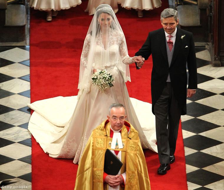 6. Katalin hercegné menyasszonyi ruhája