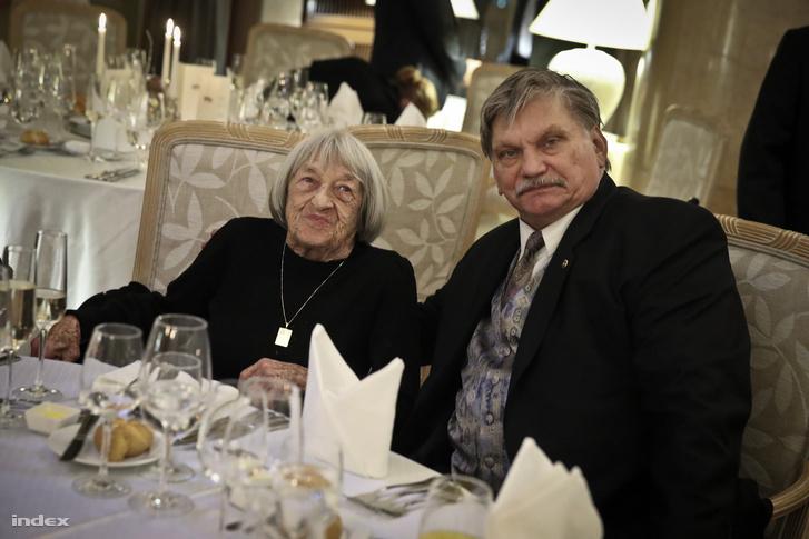 A 96 évesen is sportos ötszörös olimpiai bajnok Keleti Ágnes és Wichmann Tamás