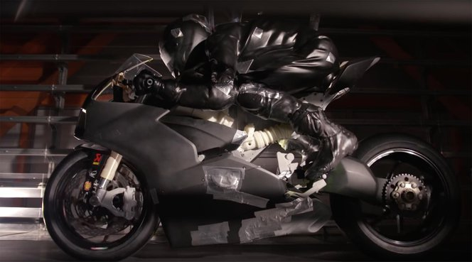 ducati-panigale-v4-wind-tunnel