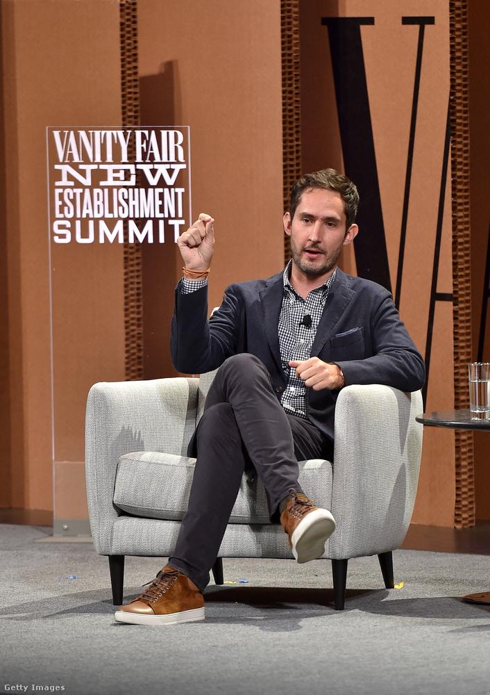 Kevin Systrom, az Instagram 33 éves vezérigazgatója a The Wall Street Journalnak mondta el, hogy szinte mindennap Lanvin cipő van a lábán.