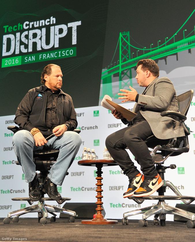 Marc Benioff, a Salesforce vezérigazgatója is jól ismert látványos cipőiről.