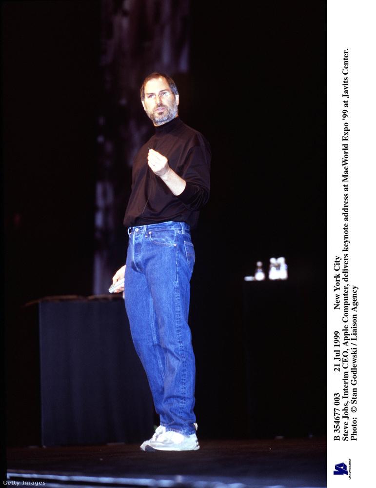 Steve Jobs már a 90-es években is ilyen lazán járt be dolgozni