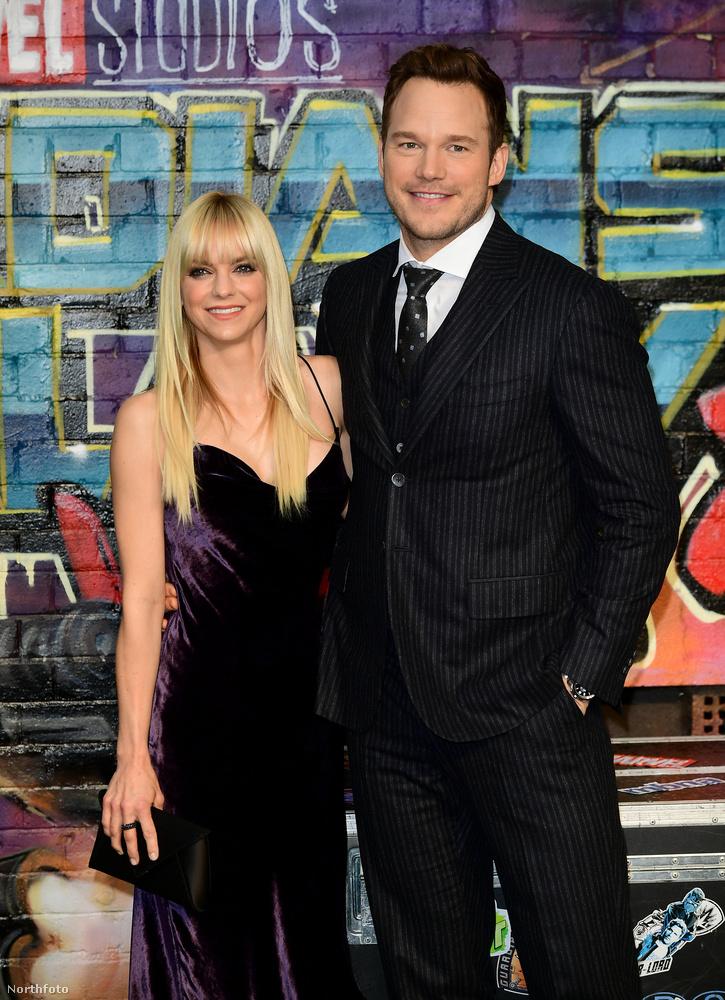 Chris Pratt és Anna Faris2009 óta Hollywood egyik leghelyesebb celebpárja volt Chris Pratt és Anna Faris, akik egy szimpatikus Twitter posztban jelentették be, hogy nyolc év után szakítanak