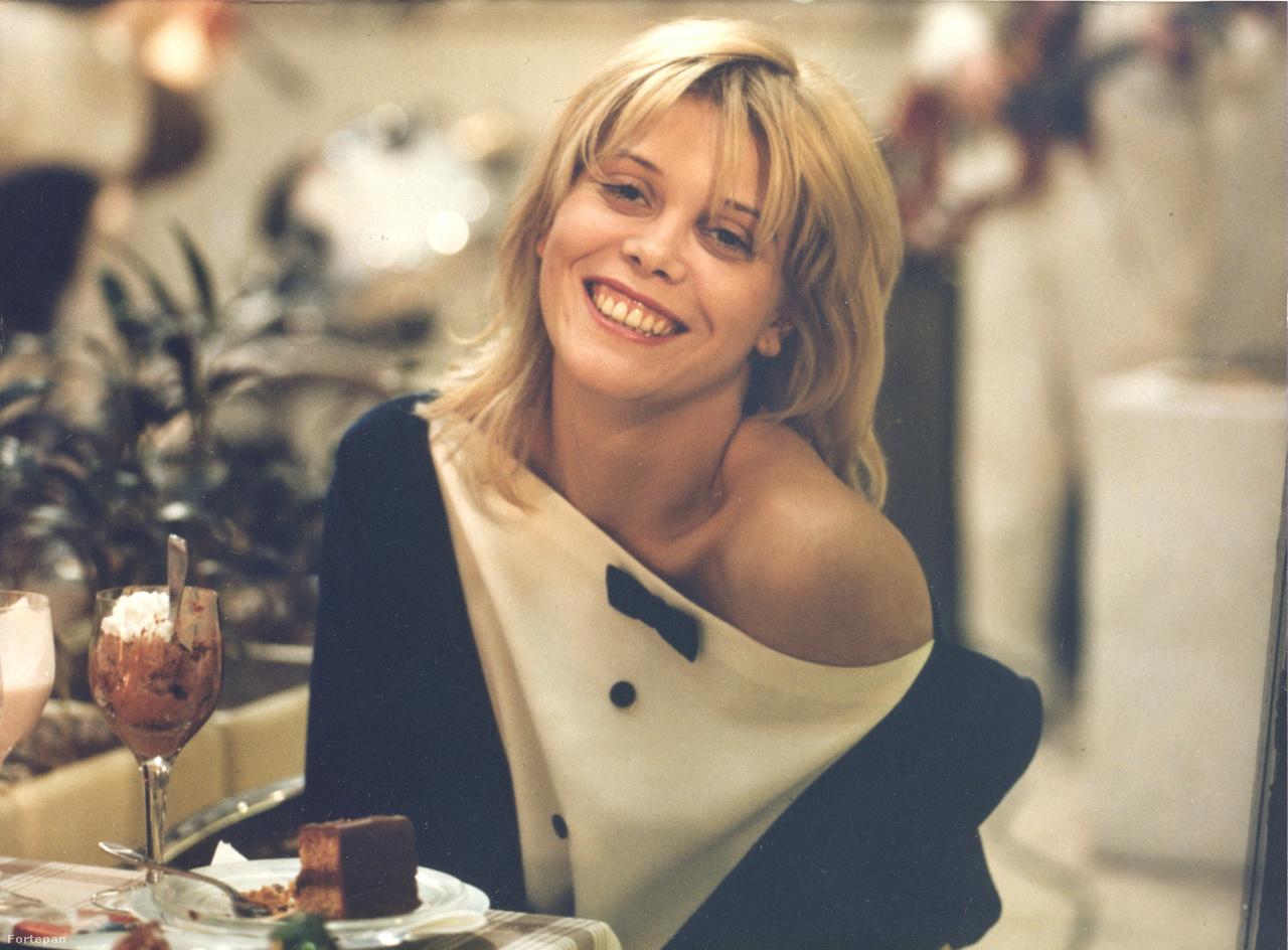 """""""Magyarországon bármit csináltam soha nem voltam igazán benne. Azt mondtam, hogy oké, énekelek, de soha nem mondtam, hogy énekesnő vagyok. Színészkedtem ezekben a filmekben, próbáltam olyan jól megcsinálni, ahogy csak tudtam, de soha nem gondoltam azt, hogy tényleg ehhez értek. Mostanra már annyi mindent csináltam, amiről már úgy éreztem, hogy igazából nem értek hozzá, hogy egyszerűen muszáj, hogy valamit igazán tudjak"""" - mondta ugyanebben az interjúban arról, hogy miért fontos neki az, hogy grafikát tanul és ebből akar kint megélni. Méhes Marietta végül 2011-ben tért vissza Magyarországra, a Gödörben adott teltházas koncertet, az Indexnek is akkor nyilatkozott ő is, és a zenekartársai is. """"Mindenki szerelmes volt belé, és nem tudom megmondani, hogy miért. A Marietta egy eléggé esszenciális és különleges jelenség, valljuk be."""""""
