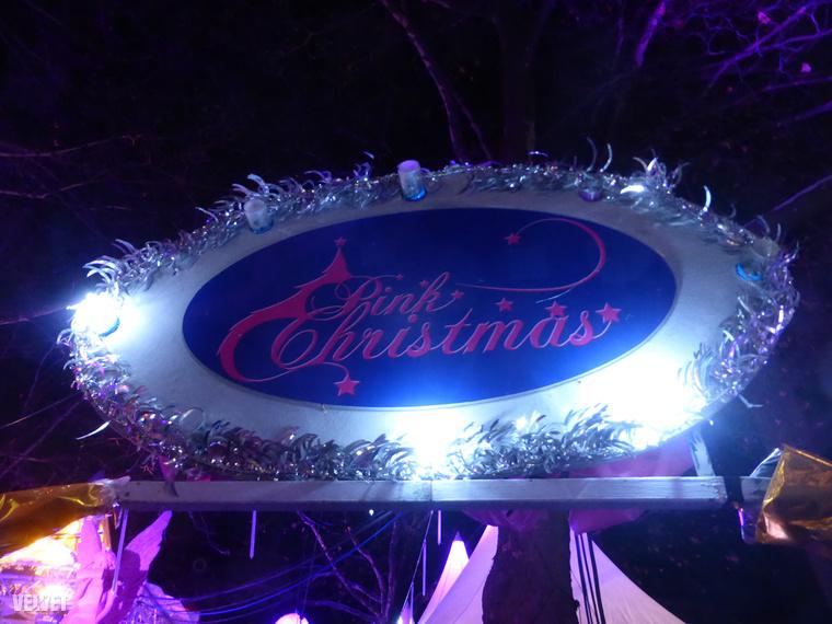 Münchenben jártunk a hétvégén, és őrület, hogy mennyire sok és mennyire sokféle karácsonyi vásár működik Bajorország fővárosának központjában