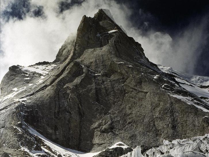 A Kedar Dome 6800 méteres keleti fala