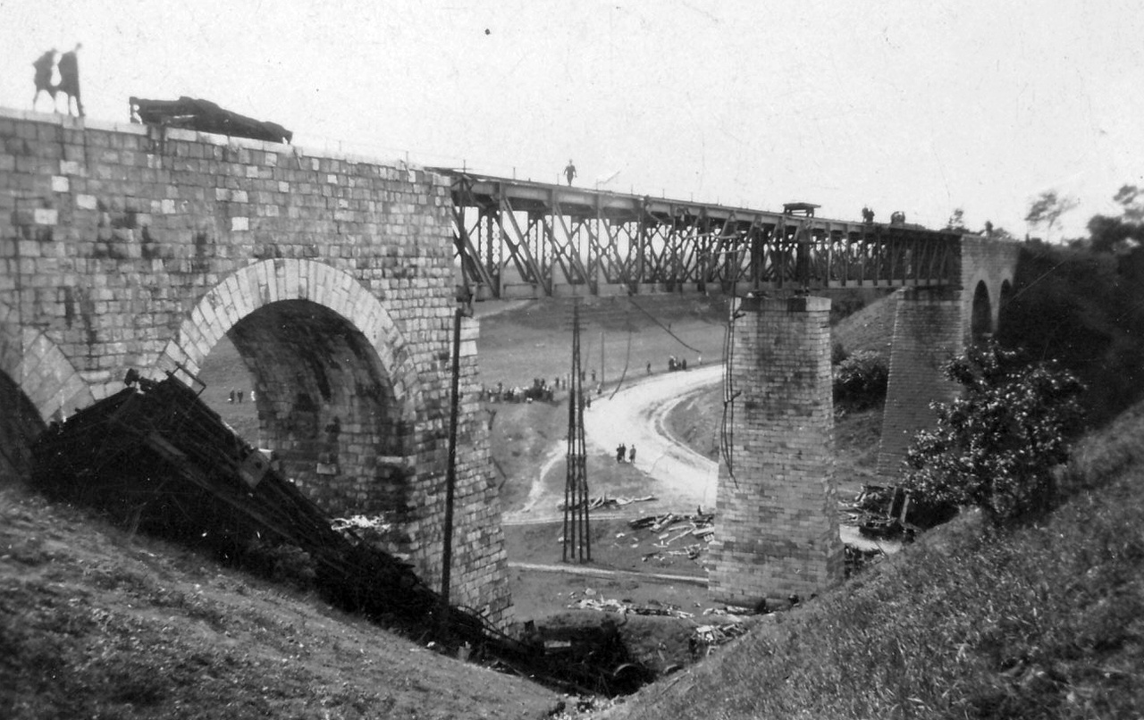 A biatorbágyi merényletről két magyar film is készült. Az elsőt Várkonyi Zoltán forgatta 1959-ben Merénylet címmel, a másodikat Simó Sándor 1982-ben Viadukt címmel. Utóbbinál a merényletet az eredeti helyszínen vették fel.
