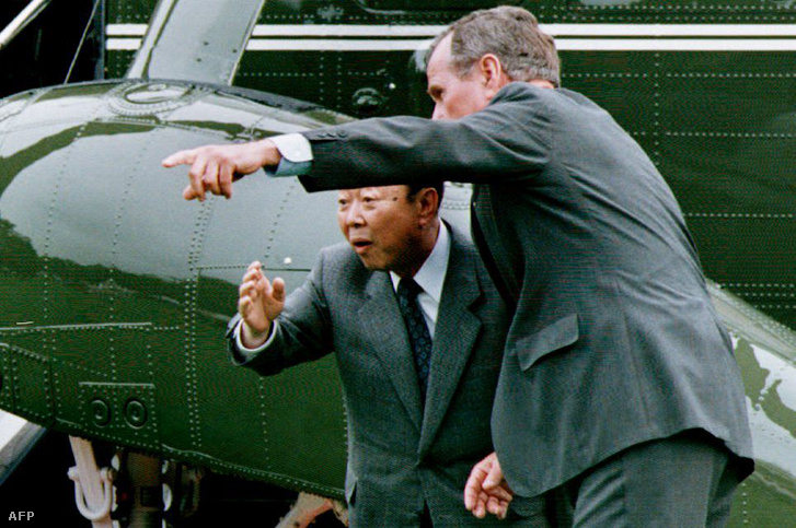 Mijazava Kiicsi és George H. W. Bush 1992-ben