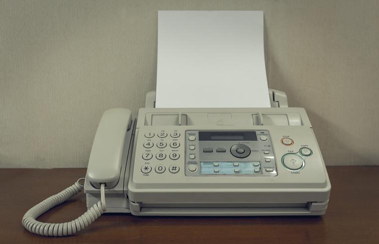 A faxgépek gyakorlatilag már el is tűntek az életünkből, az e-mailek és PDF-ek világában már nem jellemző a faxolgatás