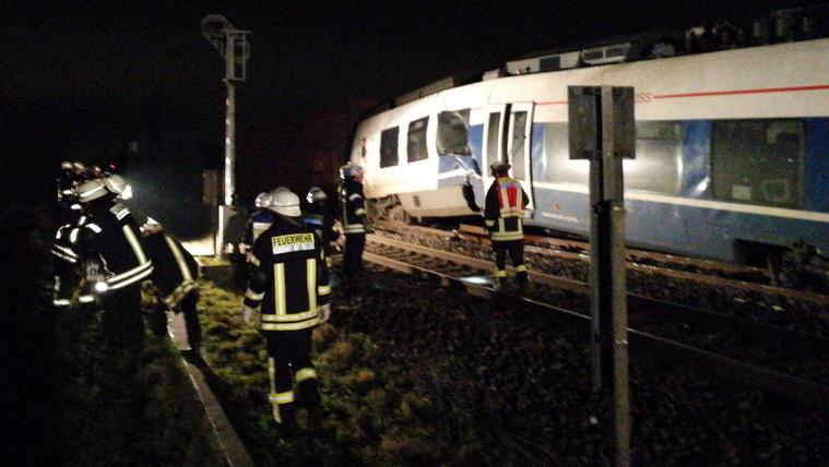 Vonatbaleset Németországban: 47-en megsérültek